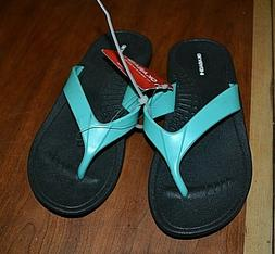Okabashi black rubber flip flops w green  thong  women's sz
