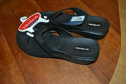 Okabashi black rubber flip flops w wedge heels  women's sz M