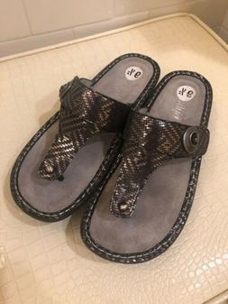 ALEGRIA Metallic Silver Black Flip Flops Sandals Size 9 1/2
