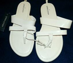 New Girls size 1 White Faded Glory Sandals Nice Flip Flops