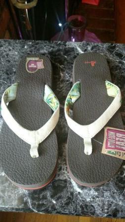 New Sanuk Size 10 YOGA PARADISE Tan Flip Flops Sandals Women