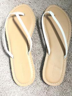 Old Navy Womans Flip Flops Size 9 Nude Color