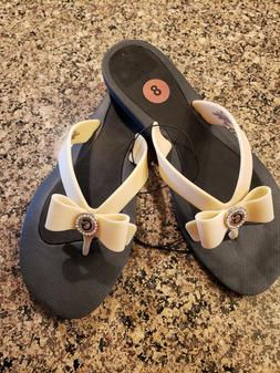 Women's GUESS All Rubber Flip Flops with Front Bows Size 8