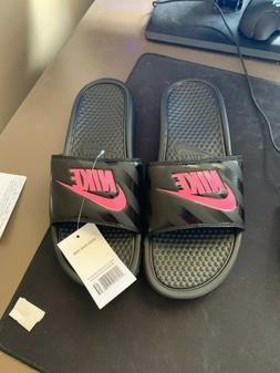 Nike womens benassi flip flops size 11